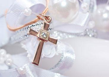 Что подарить на крестины? Оригинальные варианты подарков на крещение ребенка